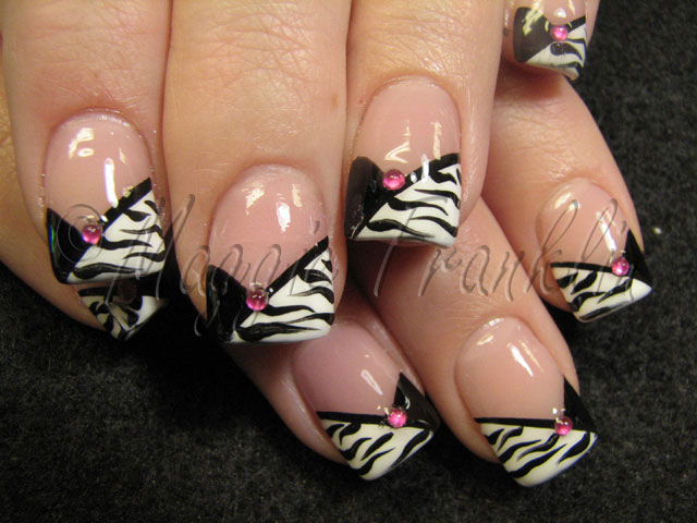 acrylic nails w/ nail art